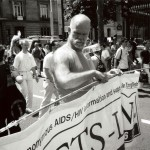 Διαδήλωση AIDS bb Saint-Michel 1998, © Costa-Gavras